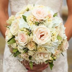 Brie loved the soft, romantic look of her full bouquet 