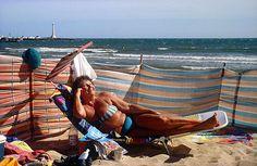 """""""Life's a beach"""", St Kilda beach c.1996. Rennie Ellis"""