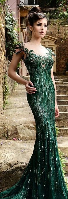 gorgeous gowns The Enchanted Forest / karen cox / Modern fairytale. Rami Salamoun Couture Evening Gown in Emerald Green Evening Dresses, Prom Dresses, Formal Dresses, Formal Wear, Wedding Dresses, Beautiful Gowns, Beautiful Outfits, Elegant Dresses, Pretty Dresses