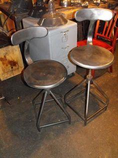 Paire de chaises industriel