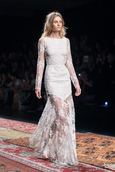 Lace Gowns / Houghton Spring 2016 / Barcelona Bridal Week (Photo: The LANE)