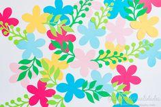 Guirnalda de flores con aire tropical - Guía de MANUALIDADES Paper Flowers, Tropical, Floral, Diy, Ideas, Home Decor, Paper Flower Garlands, House Decorations, Backgrounds