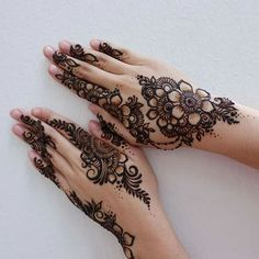 Apply these best Party Mehndi design that helps in bringing out your beauty. Here are Some Trendy and stylish Party Mehndi Designs. Henna Hand Designs, Eid Mehndi Designs, Mehndi Designs Finger, Modern Mehndi Designs, Mehndi Design Pictures, Mehndi Designs For Fingers, Beautiful Mehndi Design, Latest Mehndi Designs, Henna Tattoo Designs