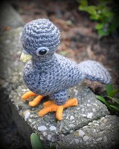Jongeduifgrietjekarwietje2_small2  crocheted pigeon stuffie