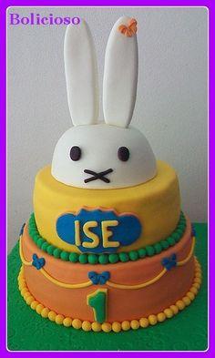 Nijntje taart / Miffy cake https://www.facebook.com/bolicioso