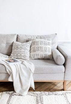 Vintage African Mud Cloth White Pillow, Mudcloth Pillow, Floor Cushion, Floor Pillow, Bohemian Decorative Pillow, Boho Pillow, Throw Pillow