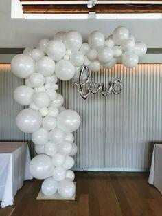 Balloon Backdrop, Balloon Decorations, Wedding Decorations, Wedding Ideas, Bridal Shower, Baby Shower, Big Balloons, Beautiful Lights, Flower Wall