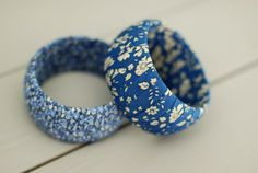 Could be a cool product idea using our prints - Liberty of London bangles Liberty Quilt, Liberty Art Fabrics, Liberty Of London Fabric, Scrap Fabric, Fabric Scraps, Embroidery Fabric, Arc, Fabric Jewelry, Sewing Notions
