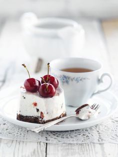 Kersenbavarois http://njam.tv/recepten/kersenbavarois