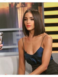 Colodo Lace Front Synthetic Wigs for Women L Part Yaki Straight 18 Inches Medium Hair Cuts, Short Hair Cuts, Medium Hair Styles, Curly Hair Styles, Haircuts Straight Hair, Short Straight Hair, Straight Shoulder Length Hair Cuts, Olivia Culpo Hair, Cut My Hair