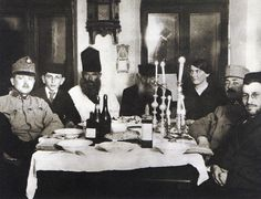 Galicia, Pessach Celebration with soldiers from Austria in a private home, 1915.