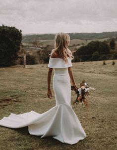 Boho Wedding Dress With Sleeves, Classy Wedding Dress, Second Hand Wedding Dresses, Wedding Dresses For Sale, Wedding Dress Trends, Bridal Wedding Dresses, Bridal Style, Wedding Dress Sheath, Lace Wedding