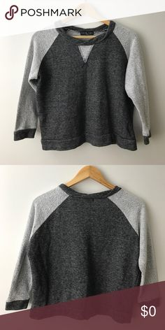 [$24] 🖤 Kim & Cami Sweatshirt Top Only $23.80 (30% off) in a 3+ item bundle! Kim & Cami two-tone grey sweatshirt top. Great condition! Listing no: 134 Kim & Cami Sweaters Crew & Scoop Necks