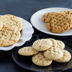 This recipe for chewy almond cookies also happens to be gluten-free and Paleo, but is absolutely delicious whether or not you have any special dietary restrictions! Almond Meal Cookies, Keto Cookies, Blanched Almond Flour, Biscuits, Fudge, Baking Soda, Cookie Recipes, Gluten Free, Cooking