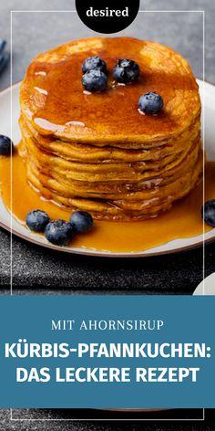 Kürbis mal anders! Es ist Kürbis-Zeit und wir zeigen dir hier ein einfaches Rezept, wie du aus selbst gemachtem Kürbispüree leckere Kürbis-Pfannkuchen mit Ahornsirup machen kannst. #Kürbis #Hokkaido #Pfannkuchen #Pancakes Brunch, Dessert, Pancakes, Blog, Breakfast, Pumpkin Pancakes, Maple Syrup, Eat Lunch, Homemade