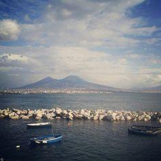 Da Santorini a Malta e poi a Napoli, Lorenzo si metterà sulle tracce di una vera e propria leggenda che però sembra avere inquietanti agganci con la realtà.