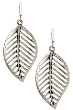 Very beautiful leaf earrings in silver.