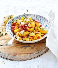 Pasta in a butternut sauce - Ideas Veggie Recipes, Pasta Recipes, Cooking Recipes, Veggie Meals, What's Cooking, Cooking Ideas, Dinner Recipes, South African Recipes, Light Recipes