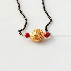 Geru Bead Spiral Design Handcrafted Mangalsutra with coral colour beads and 18 inches mangalsutra attached. Indian Jewellery Design, Jewelry Design, Gold Mangalsutra, Mangalsutra Design, Beaded Jewelry, Handmade Jewelry, Silver Jewelry, India Jewelry, Antique Earrings