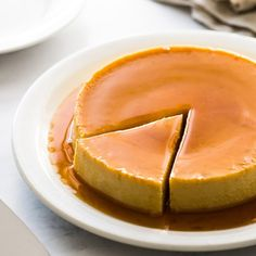 An easy flan recipe made with only 5 simple ingredients! This creamy custard dessert is topped with rich caramel and is very popular in Mexico, Spain and Latin America. It's a showstopper dessert that is sure to impress friends and family. #flan #dessert #mexican #spanishflan Mexican Dishes, Mexican Food Recipes, Mexican Flan, Mexican Bread, Mexican Chorizo, Mexican Desserts, Dessert Recipes, Custard Desserts, Flan Dessert