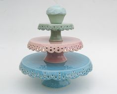 3 tiered pastel cake plate