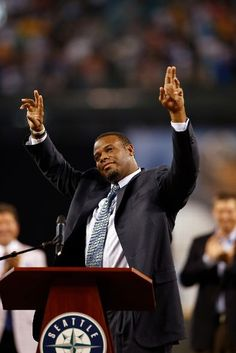 Former Mariners great, Ken Griffey Jr. waves to the crowd as he is introduced during a ceremony inducting him into the Seattle Mariners Hall of Fame prior to the game against the Milwaukee Brewers at Safeco Field on August 10, 2013 in Seattle, Washington. (Photo by Otto Greule Jr/Getty Images)