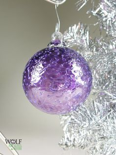 Oh yes, I'd like a Christmas tree with a dozen of these on it. Purple Christmas Decorations, Purple Christmas Ornaments, Glass Christmas Tree, Christmas Colors, All Things Christmas, Christmas Diy, Holiday Decor, Glass Ornaments, Vintage Decorations