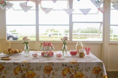 Table scape and bunting