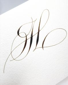 Day letter H There are so many ways to write the letter H. This one is my favourite . Flourish Calligraphy, Calligraphy Video, Calligraphy Tattoo, Calligraphy Tutorial, Calligraphy Doodles, Copperplate Calligraphy, Calligraphy Practice, Calligraphy Handwriting, Calligraphy Letters