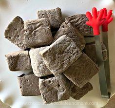 flavored marshmallows Chocolate Marshmallows - Chocolate Chocolate and More! Flavored Marshmallows, Chocolate Marshmallows, Chocolate Chocolate, Nougat Recipe, Marshmallow Cake, Blackberry Syrup, Peppermint Sticks, Homemade Vanilla, Kitchens