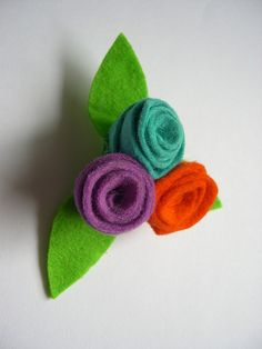 flores - fieltro by Lidia!!, via Flickr