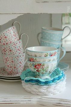 so in love with these beautiful tea cups. And the crochet coasters add just the right touch!