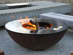 Feuerring grilliere – Tschannen Gartenbau Murzelen b. Bern Outdoor Fire, Outdoor Living, Outdoor Decor, Holidays In May, Fire Pit Area, Fire Cooking, O Gas, Fire Bowls, Bbq Grill