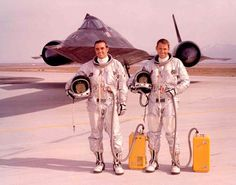 USAF SR-71 pilots Dick Gerard and Ron Selberg with S-970 full pressure suits. (USAF)