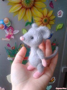 Mesmerizing Crochet an Amigurumi Rabbit Ideas. Lovely Crochet an Amigurumi Rabbit Ideas. Crochet Toys Patterns, Amigurumi Patterns, Crochet Crafts, Crochet Projects, Hat Patterns, Diy Crafts, Knitting Patterns, Crochet Mouse, Crochet Dolls