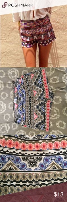 Pattern shorts Beautiful colors, very similar to first photo. Size 8 regular standard. Old navi, worn once. Old Navy Shorts Skorts