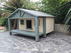 Pets Home custom handmade Cathouses & catshelters Feral Cat Shelter, Outdoor Cat Shelter, Outdoor Cats, Feral Cats, Cat Shelters, Cool Dog Houses, Cat Houses, Dog Yard, Cat Perch