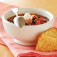 Three-Bean Chili - Quick and Easy Southwestern Recipes - Cooking Light Veggie Chili, Vegetarian Chili, Vegetarian Recipes Easy, Veggie Recipes, Vegetarian Cooking, Meatless Chili, Healthy Chili, Vegetarian Lunch, Healthy Recipes