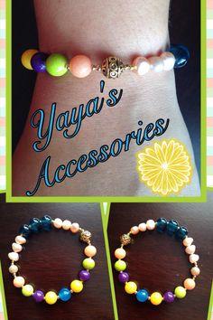 Pulsera con perlas de agua dulce, ágata, jades, beads de cristal y bead de metal dorada
