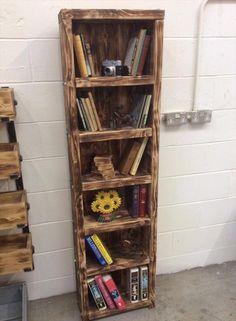 Reclaimed Wooden Pallet Bookshelf | DIY and Crafts