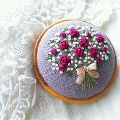 장미.꽃 素敵なあなたへ 刺繍ブローチ(木枠)5.5☆