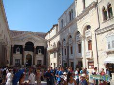 Turismo em Split Croacia Palacio de deocleciano - igreja