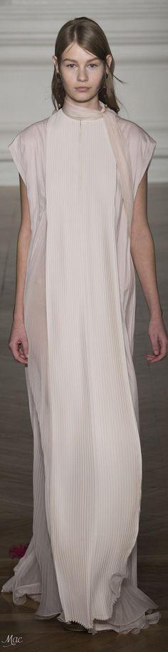 Spring 2017 Haute Couture Valentino