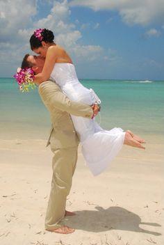 Daisy and Jared's dream destination wedding in Antigua