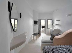 Tholos Resort SantoriniΣαντορίνη2016 - 2017ΙδιώτηςΟλοκληρώθηκε535 τ.μ. Design Suites, Villa Design, Santorini Suites, Indoor Jacuzzi, Honeymoon Suite, Hotel Interiors, Interior Design, Vulnerability, Furniture