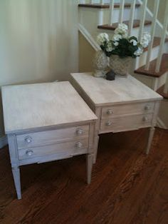 White or Wheat?  Why choose when you can have both in these newly redesigned solid wood end tables done in CeCe Caldwell's Kansas Wheat and Simply White Chalk& Clay Paint.
