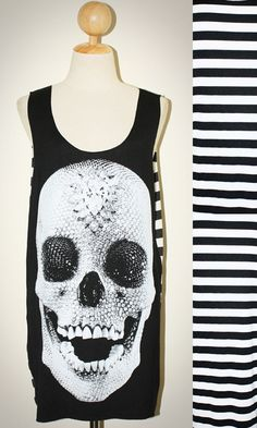 Crystal Diamond Skull Halloween Black Stripes Tank Top Sleeveless Women Art Punk Rock T-Shirt Size M