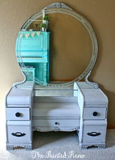 I want one of these vanities scoop Gray Waterfall Vanity Art Deco Furniture, Chalk Paint Furniture, My Furniture, Repurposed Furniture, Furniture Projects, Furniture Makeover, Vintage Furniture, Reclaimed Furniture, Furniture Refinishing