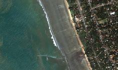 Along Kalutra Beach as the Indian Ocean pulls back