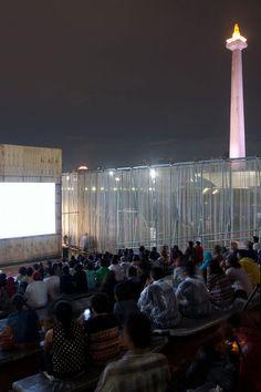 http://www.dezeen.com/2014/04/29/kineforum-misbar-open-air-cinema-in-jakarta-by-csutoras-liando/